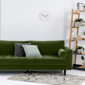 Деревянная этажерка для комнатных растений