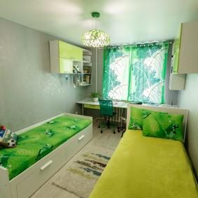Узкая комната для маленьких детей