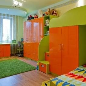 Яркая мебель для детей школьного возраста