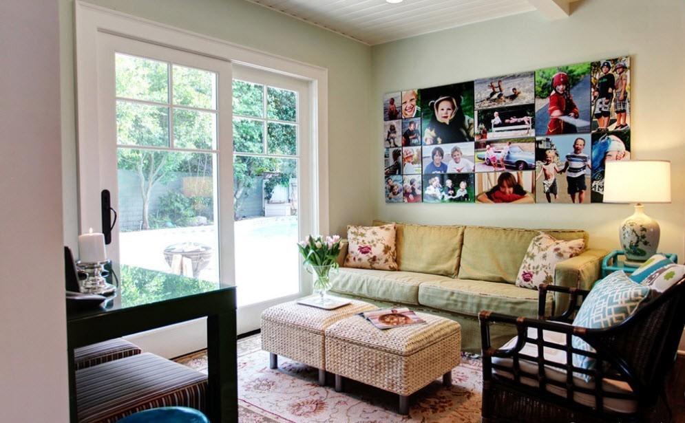 Семейные фотографии в интерьере жилой комнаты