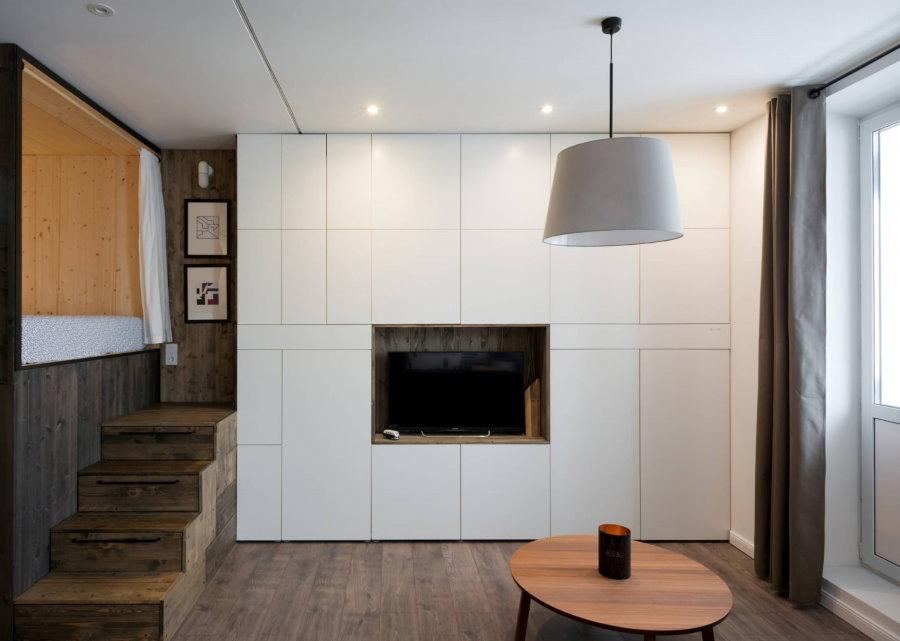 Встроенные шкафы с гладкими фасадами