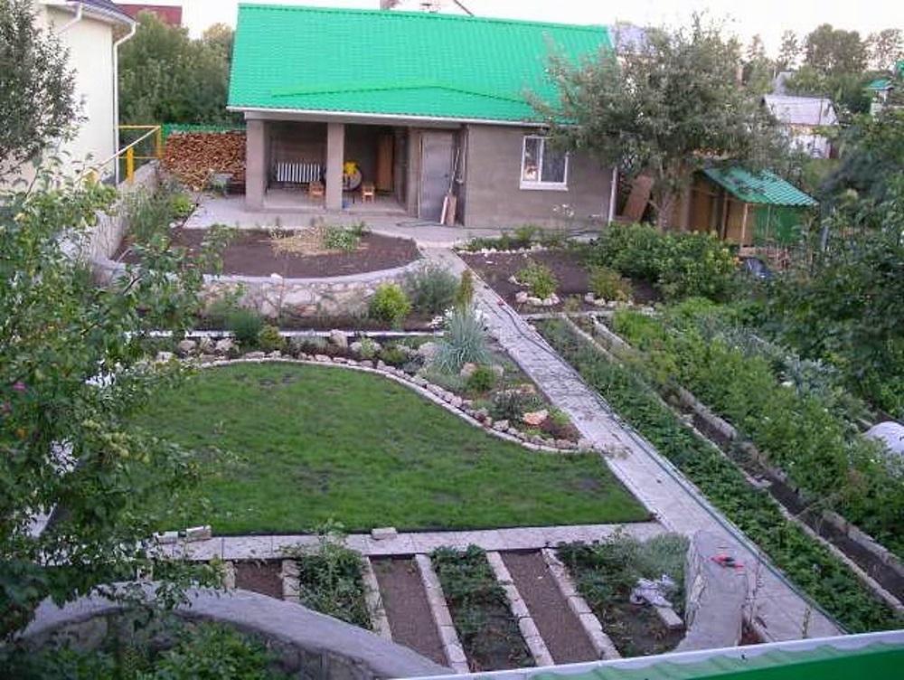 Аккуратный огород на небольшом садовом участке