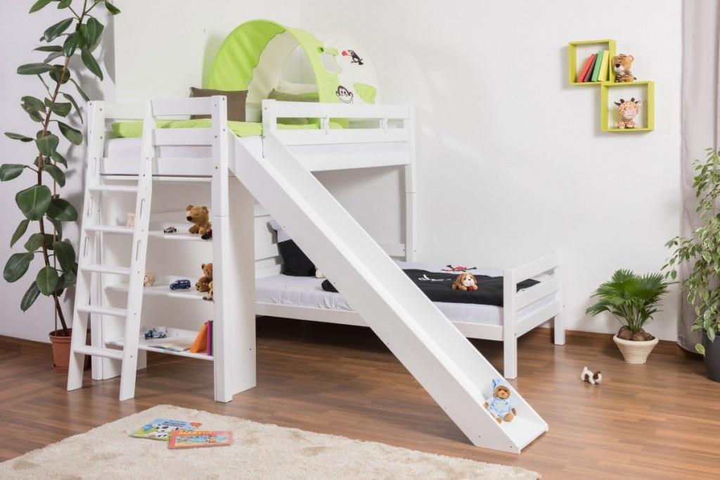Детская двухъярусная кровать с лестницей и горкой