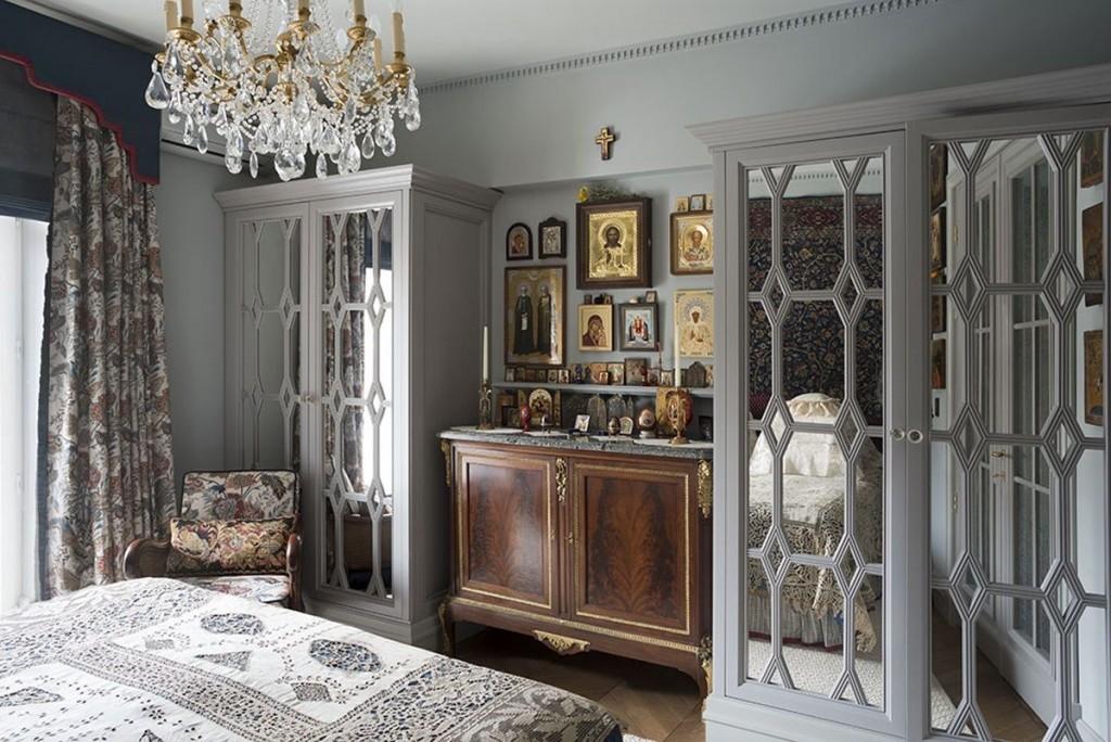 Иконостас в интерьере современной квартиры