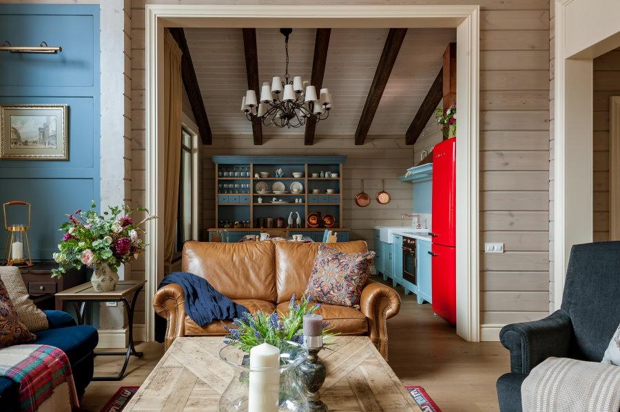 Кантри в интерьере зала деревенского дома