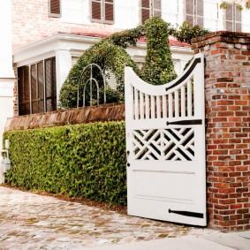 кирпичный забор виды дизайна