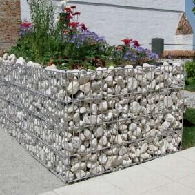 клумбы из камней своими руками декор фото