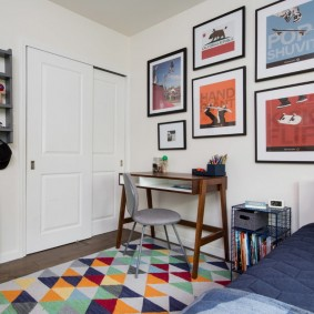 Декор картинами комнаты подростка