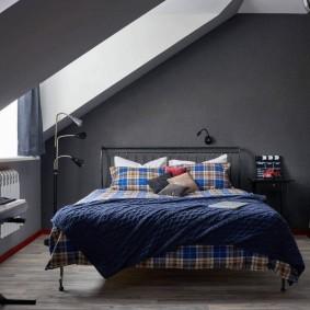 Комната мальчика в мансарде частного дома
