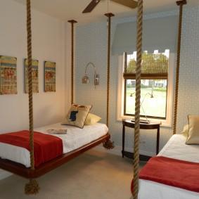 Подвесные кровати в спальне подростков