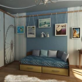 Декор стены детской картинами на подвесках
