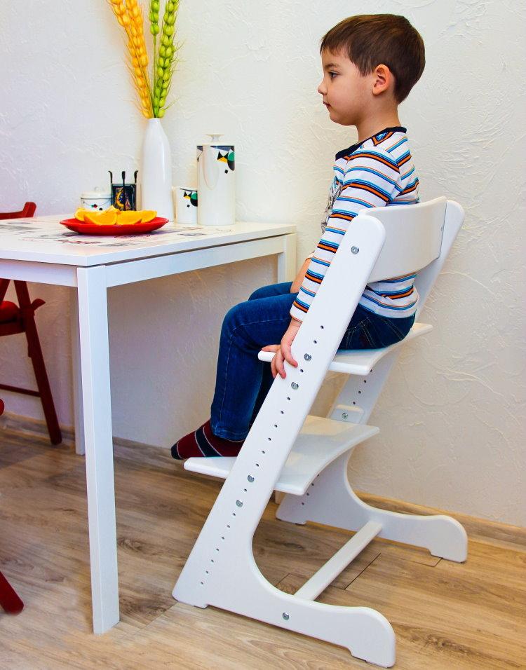 Белый детский стул модели Конек Горбунек