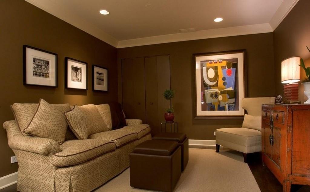 Коричневые обои в гостиной современного стиля