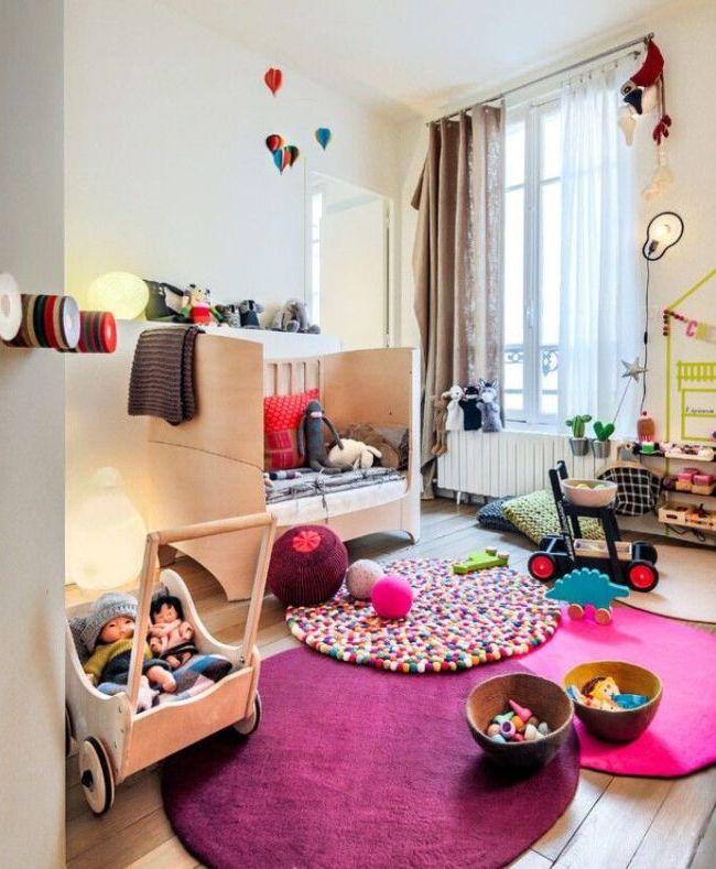Игровая зона в комнате годовалого ребенка