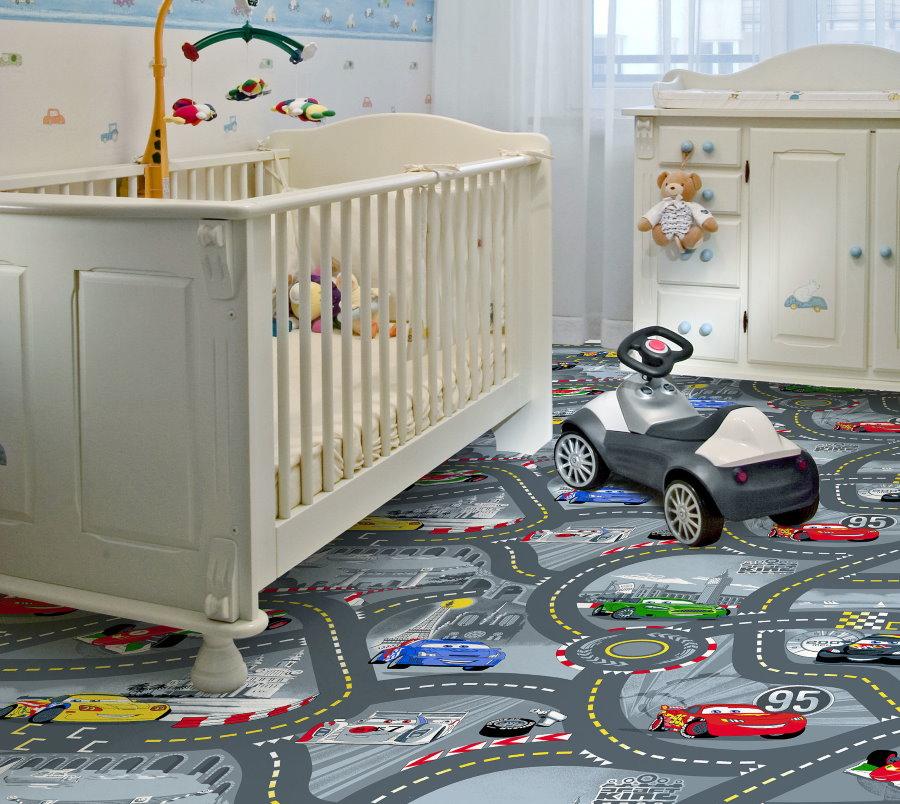 Детская комнаты с игровым рисунком на ковролине