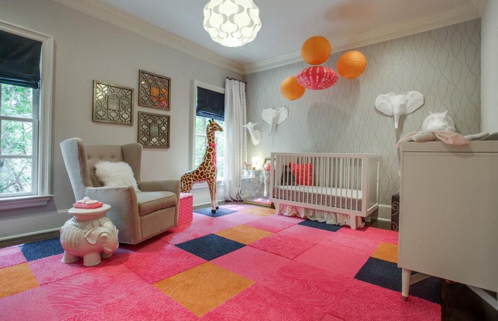 Розовый ковролин для детской спальни