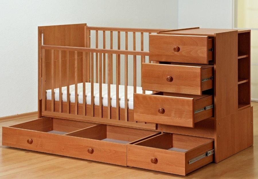 Выдвижные ящики в кроватке для младенца