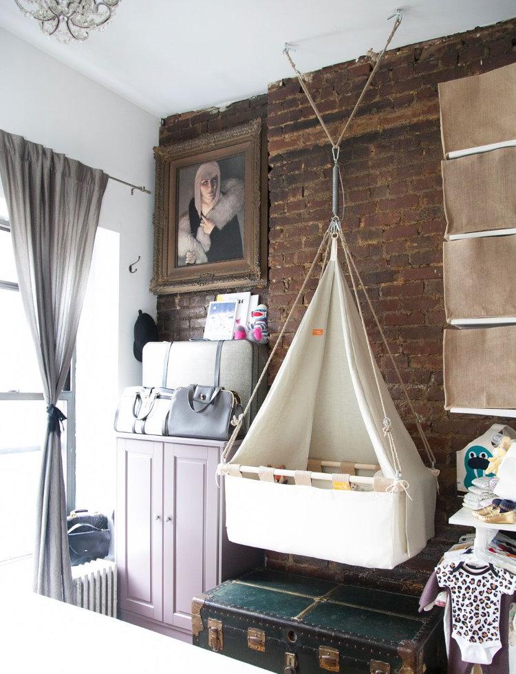 Кроватка для новорожденного в однушке панельного дома