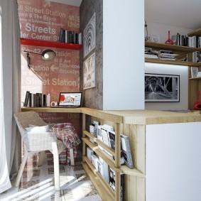 Рабочее место на балконе однокомнатной квартиры