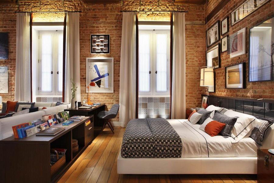 Спальня в трехкомнатной квартире лофт стиля