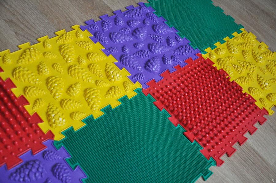 Детский коврик-пазл с массажным эффектом
