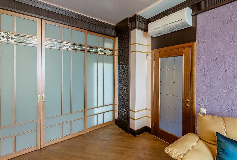 двери в интерьере квартиры варианты