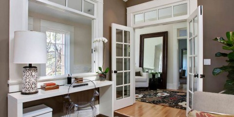 межкомнатные двери в квартире декор