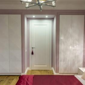 межкомнатные двери в квартире фото декора