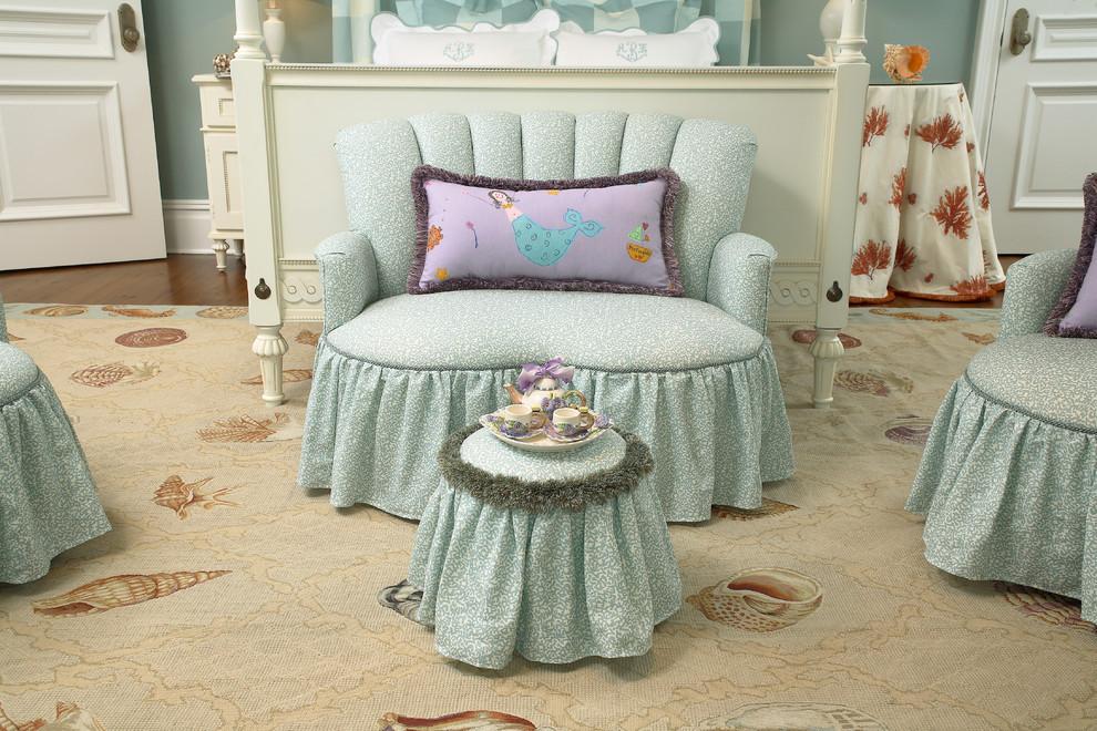 Мини-диванчик в детской комнате