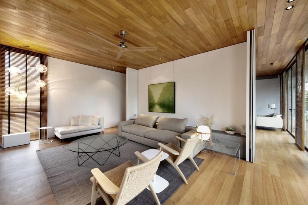 Минимализм в интерьере дома из дерева