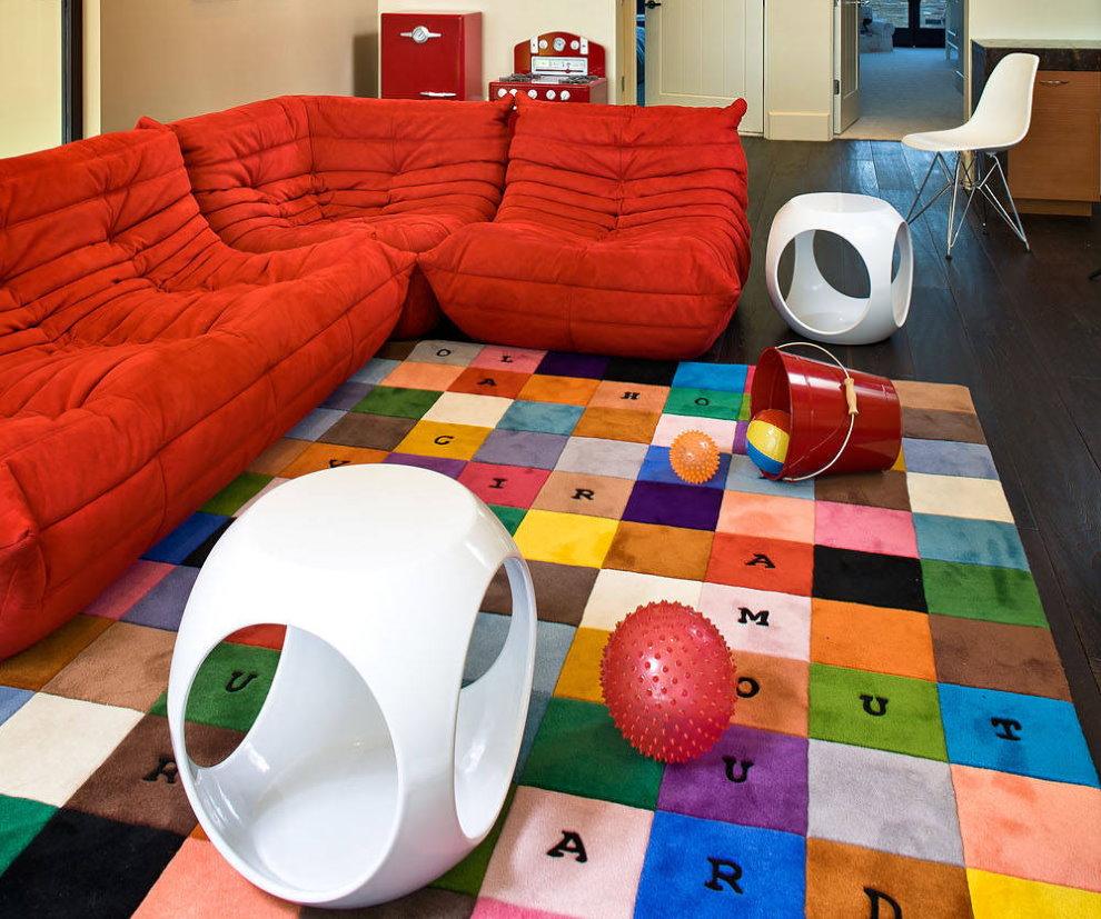 Мягкая мебель модульного типа в детской комнате