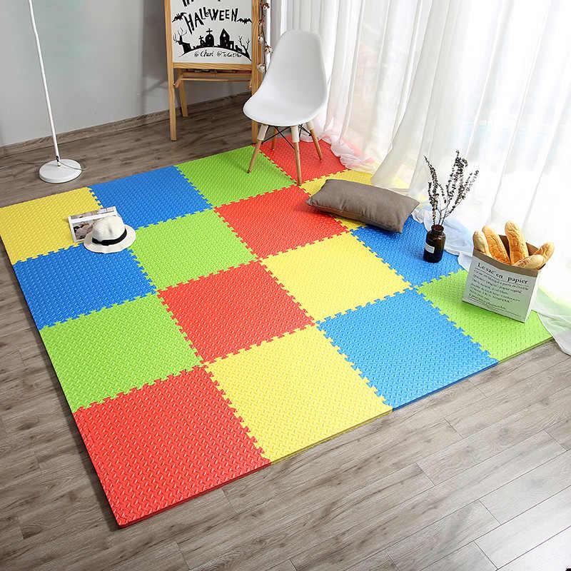 Мягкий пазловый коврик в игровой зоне детской