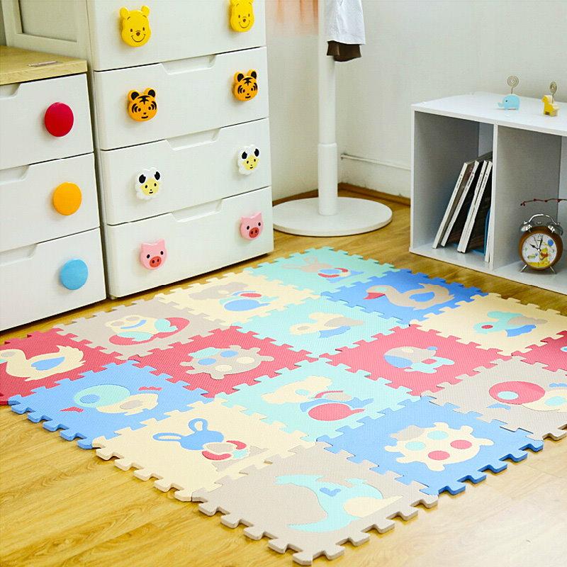 Толстый игровой коврик из разноцветных пазлов