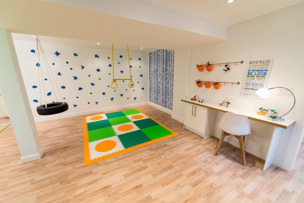 Мягкий коврик в спортивной зоне детской комнаты