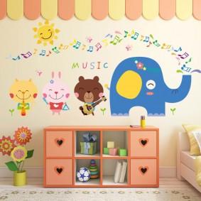 наклейки для детской комнаты варианты идеи