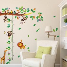 наклейки на стене в детской фото дизайна