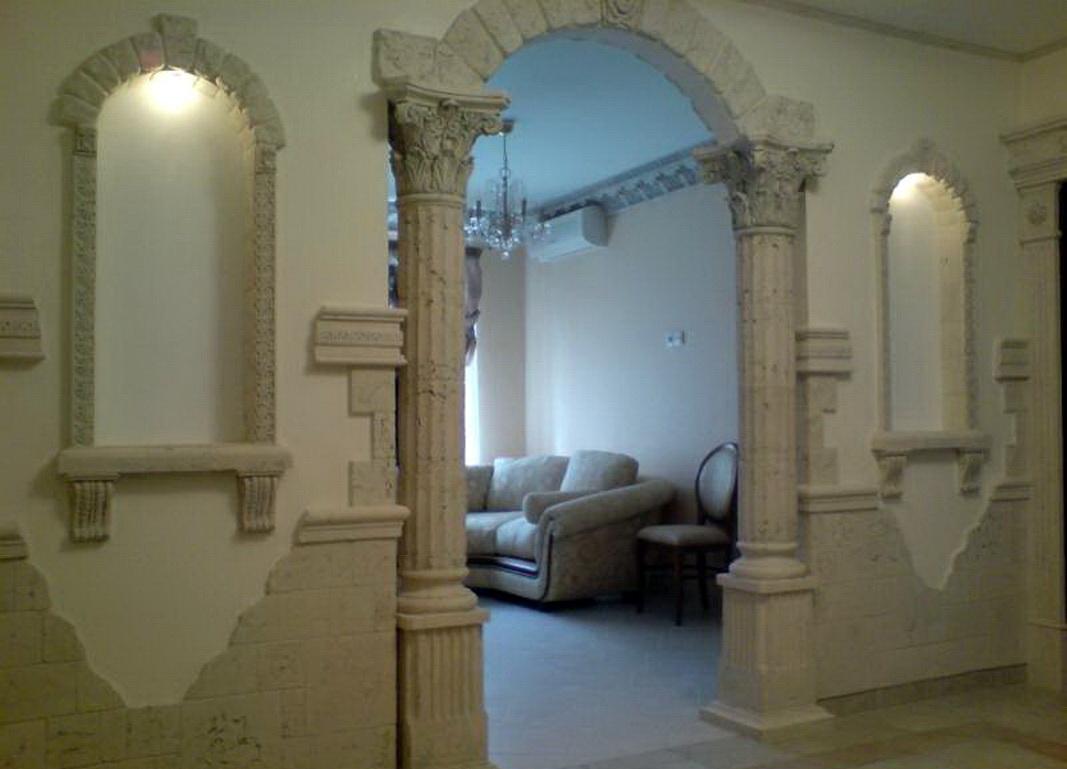 отделка арки декоративным камнем ампир