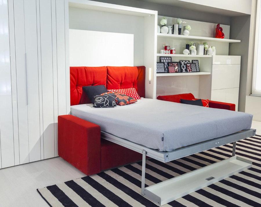 Откидная кровать в малогабаритной квартире