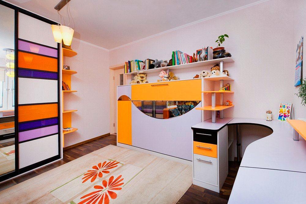 Комплект детской мебели с откидной кроватью