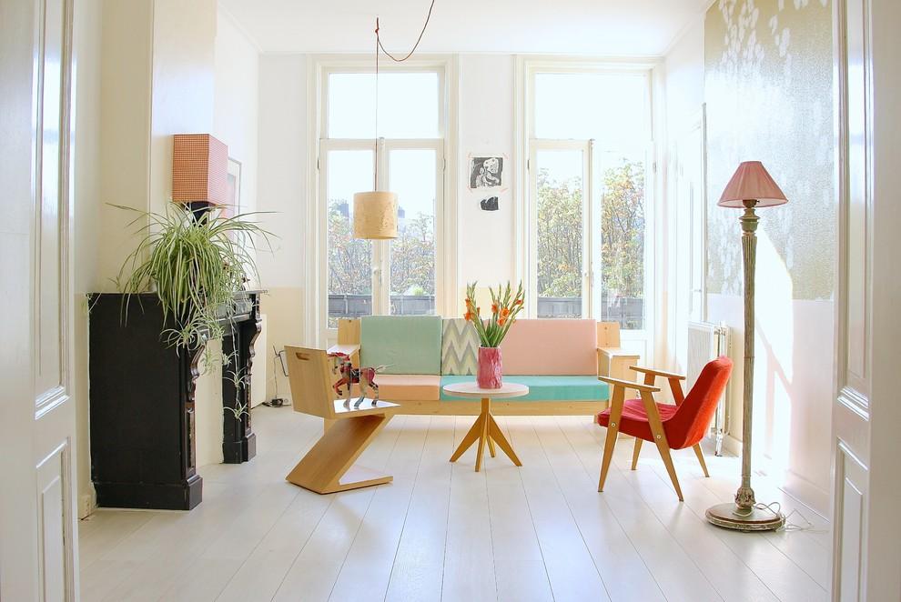 Светлая гостиная в пастельных тонах