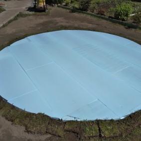 Пеноплекс на площадке для каркасного бассейна