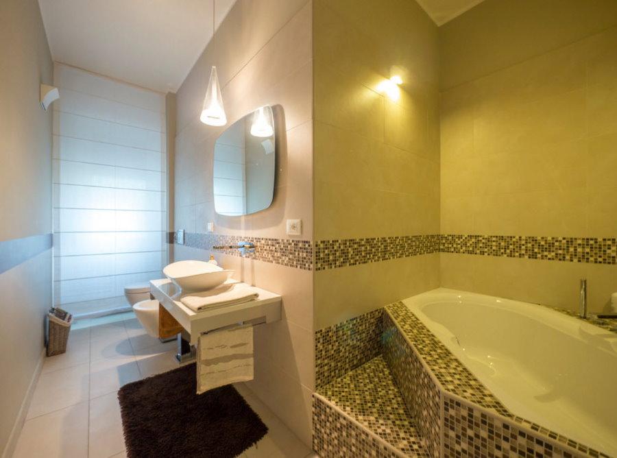 Планировка совмещенной ванной комнаты с унитазом
