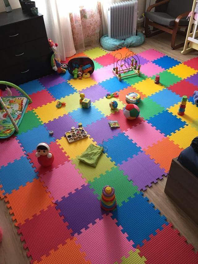 Детские игрушки на мягком покрытии из пазлов
