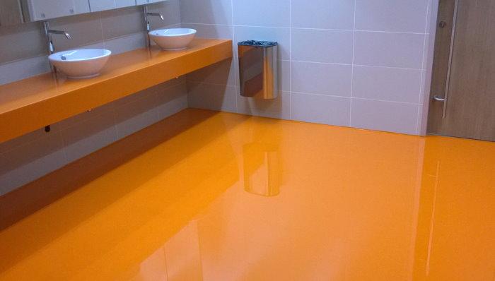 Оранжевый наливной пол полиуретанового типа
