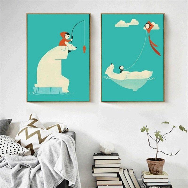 Постер с мишкой на стене детской комнаты