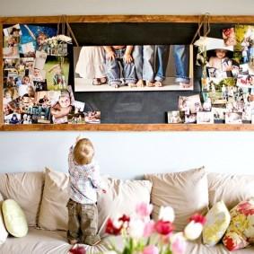 панно из семейных фото в деревянной рамке