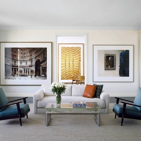 Декор фотографиями зоны отдыха в гостиной