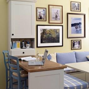 Декор фотографиями стены на кухне