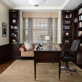 рабочий кабинет в квартире декор
