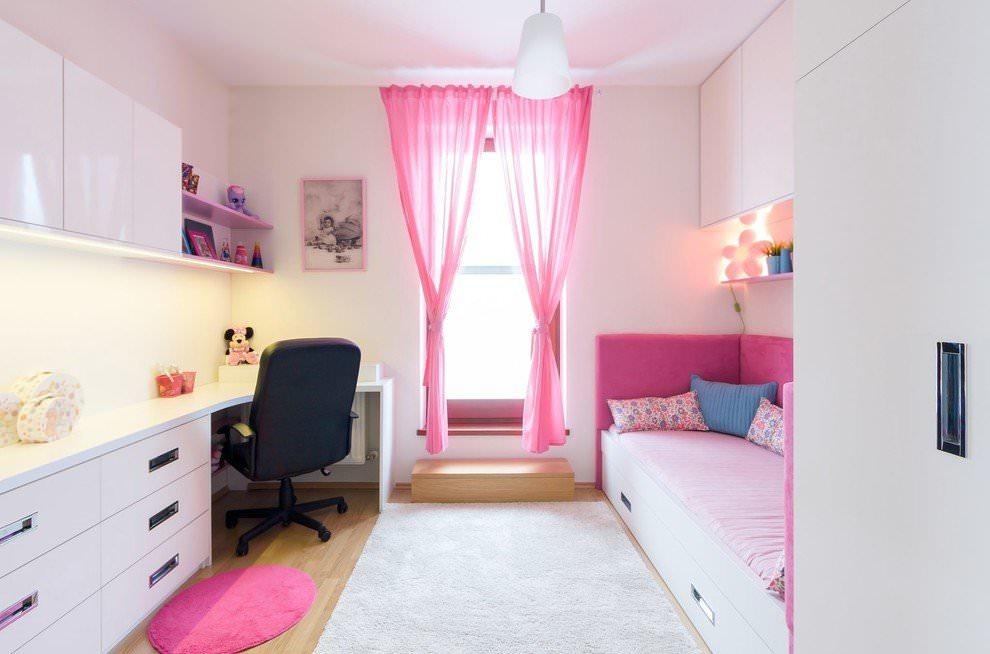 Розовый тюль в интерьере детской комнаты